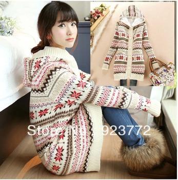 утолщение ёенщина зимние 2013 длинные пальто мода рождество машина свитер с капюшоном кардиган милый kardigans снежинки