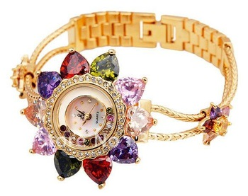 Smays Women Round Flower Quartz Watch, Fashion and Luxury, Crystal Flower Watch, Gold and Silver , Good Quality  353