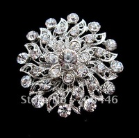Beautiful Silver Color Clear Rhinestone Crystal Small Flower Pin Brooch