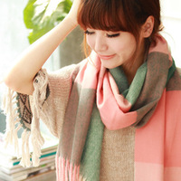 Free Shipping ! 2013 Spring and Autumn NEW! Fashion Elegant Classic Plaid Short Spike Women Large Shawl Scarf . SJ221