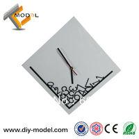 Drop Shipping Simple Modern Design Square Digital Acrylic Art Mute Clock for Living Room Decoration TC-S531