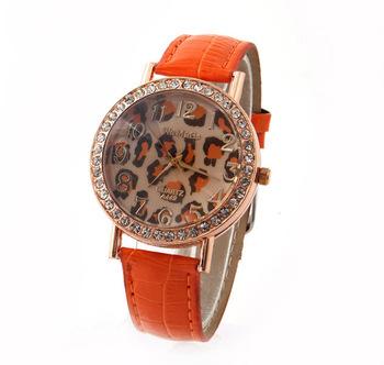 WoMaGe Women Quartz Watch Leopard Crystal Dial Wristwatches Gold Case PU Strap New 2015 Fashion