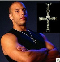 Freeshipping  Platinum plated Crystal stones Dominic cross necklace men nekclace sliver color from The Fast and the Furious BB21