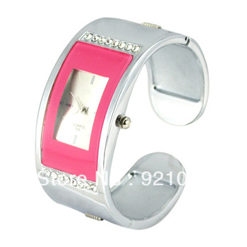 Free Shipping Stylish Metal Hinge Bracelet Quartz Movement Wrist Watch Set with Rhinestone Black