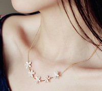 free shipping new fashion crystal inset flower opal necklace 18k gold plated necklace Min Order 8$