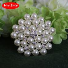 Crystal Rhinestone clásico !! Y Perla Broche de plata chapada en Snowflake estilo broches para la boda Ramos de Navidad BRD222 Regalo(China (Mainland))