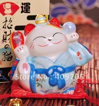 New 2013 Novelty Lovely Ceramic Mini Lucky Fortune Cat Japanese Maneki Neko Feng Shui Money Box Wedding Craft Gifts
