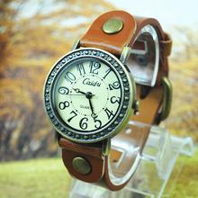 Mulheres Vestido Relógios Mulheres strass relógios de couro vintage moda quartzo retro dos esportes de pulso Vintage 2013 Nova Hot(China (Mainland))