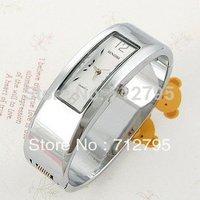 New Fashion Womens Classic vintage watch Steel Analog Quartz bracelet Watch