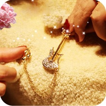 pearl brooch promotion
