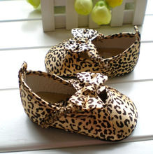 Booties GIRL 2014 Beautiful Bowtie Satin Uppers Low-top Non Slip Soft Outsole Leopard Print Baby Shoes Girls First Walker Shoes(China (Mainland))