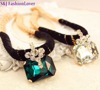 Free ship fashion vintage rhinestone royal perfume short design chain women necklace