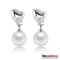 LZESHINE Brand Pearl Earrings Stud Earrings Platinum Plated SWA Element Austrian Crystal Heart Pearl Earrings Jewelry ER0146-B