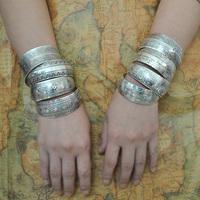 Factory Wholesale Tibetan Jewelry Vintage Silver Bangles Antique Tibetan Silver Cuff Bracelets (Minimum order USD10)