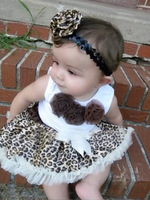 Retail 2015 Hot selling New Arriving baby set Baby suit: sleeveless top with three flowers + leopard tutu/ Brown baby girl dress
